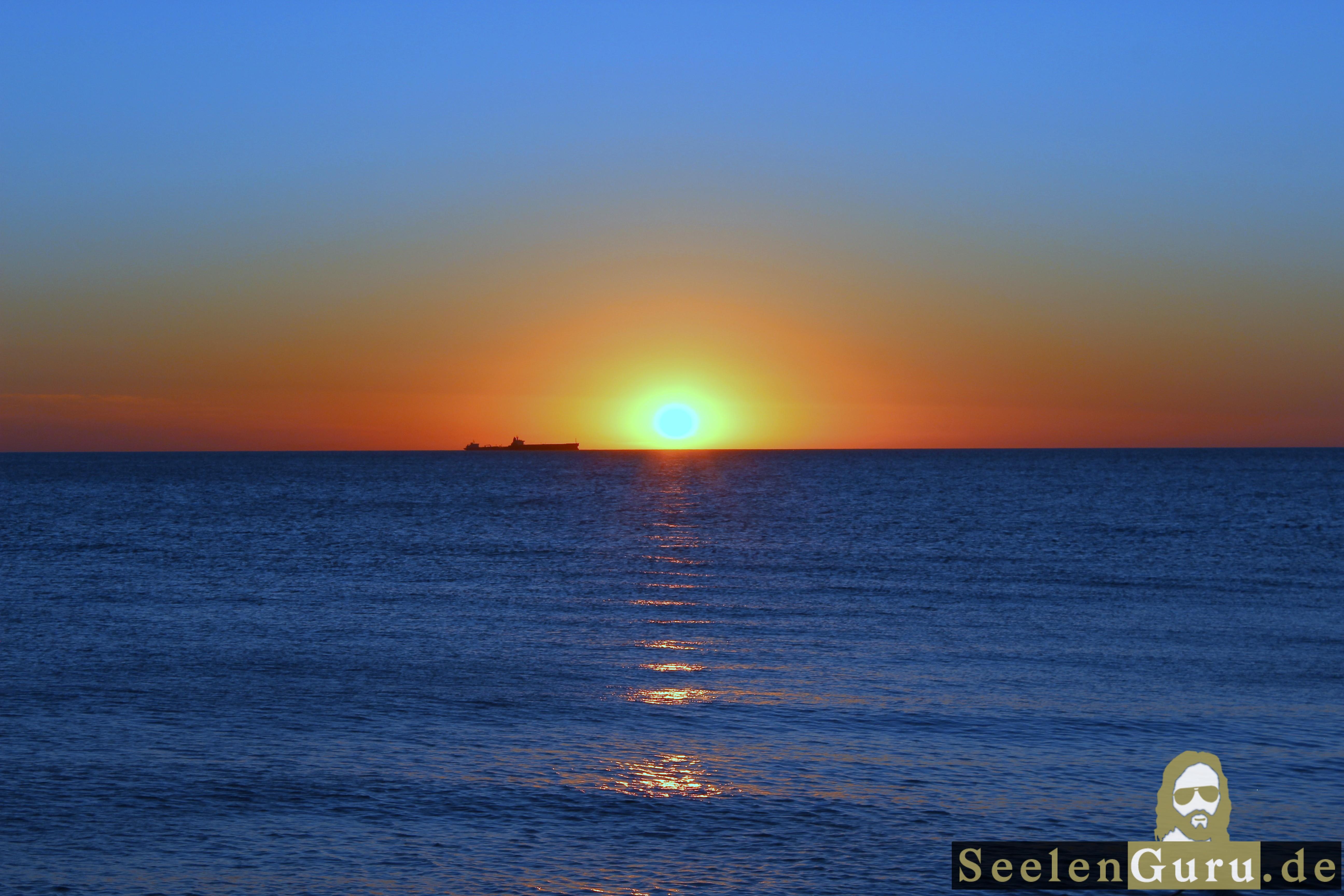 Romantischer Augenblick: Sonnenuntergang an der Ostsee