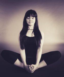 Meditieren gegen Traurigkeit & Depression