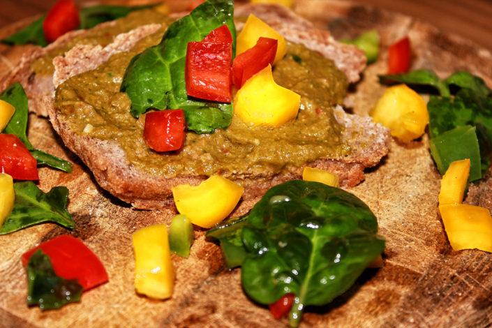 Selbstgemachter Brotaufstrich - vegan, glutenfrei & zuckerfrei