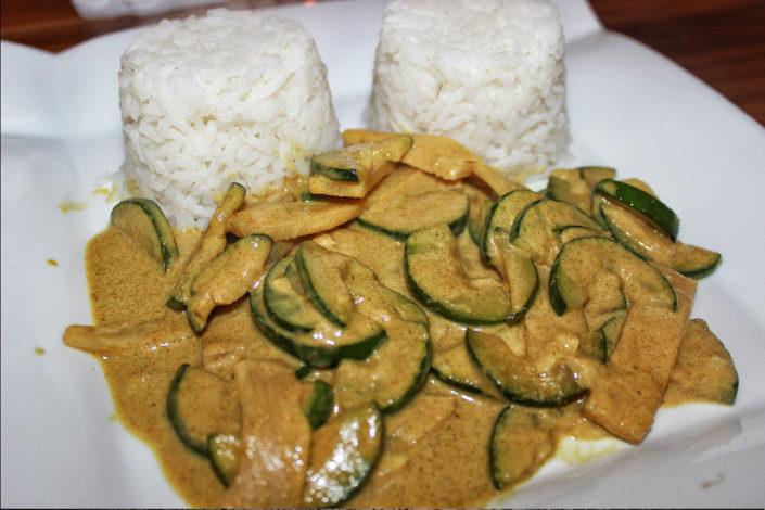 Thaipfanne mit Zuchini & Bambus