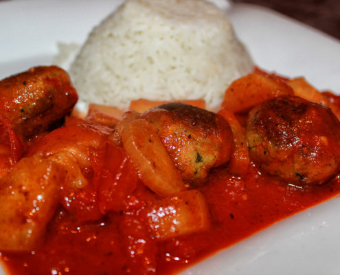Vegane Fleischklöse - Falafel-Tomate Pfanne