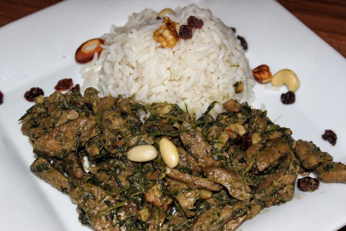 Falsches Lamm - Tofu mit Rosinen, Spinat & Nüssen