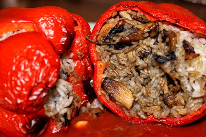 Gefüllte Paprika mit Champignons und Reis - vegan & glutenfrei