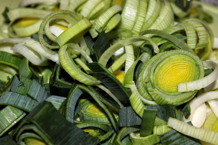 vegane k se lauch suppe mit vegetarischem hack gluten. Black Bedroom Furniture Sets. Home Design Ideas