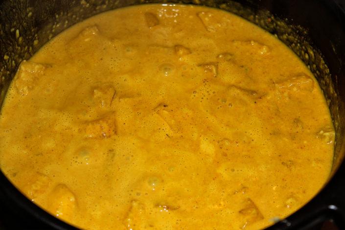 Vegane Mango-Ingwer-Suppe mit Kokosmilch