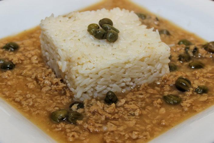 Sojahack-Karpersosse mit Reis - deutsche Küche