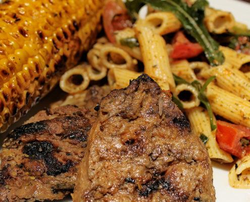 Veganes grillen, vegetarisches Steak aus Soja Medaillons von Vantastic foods